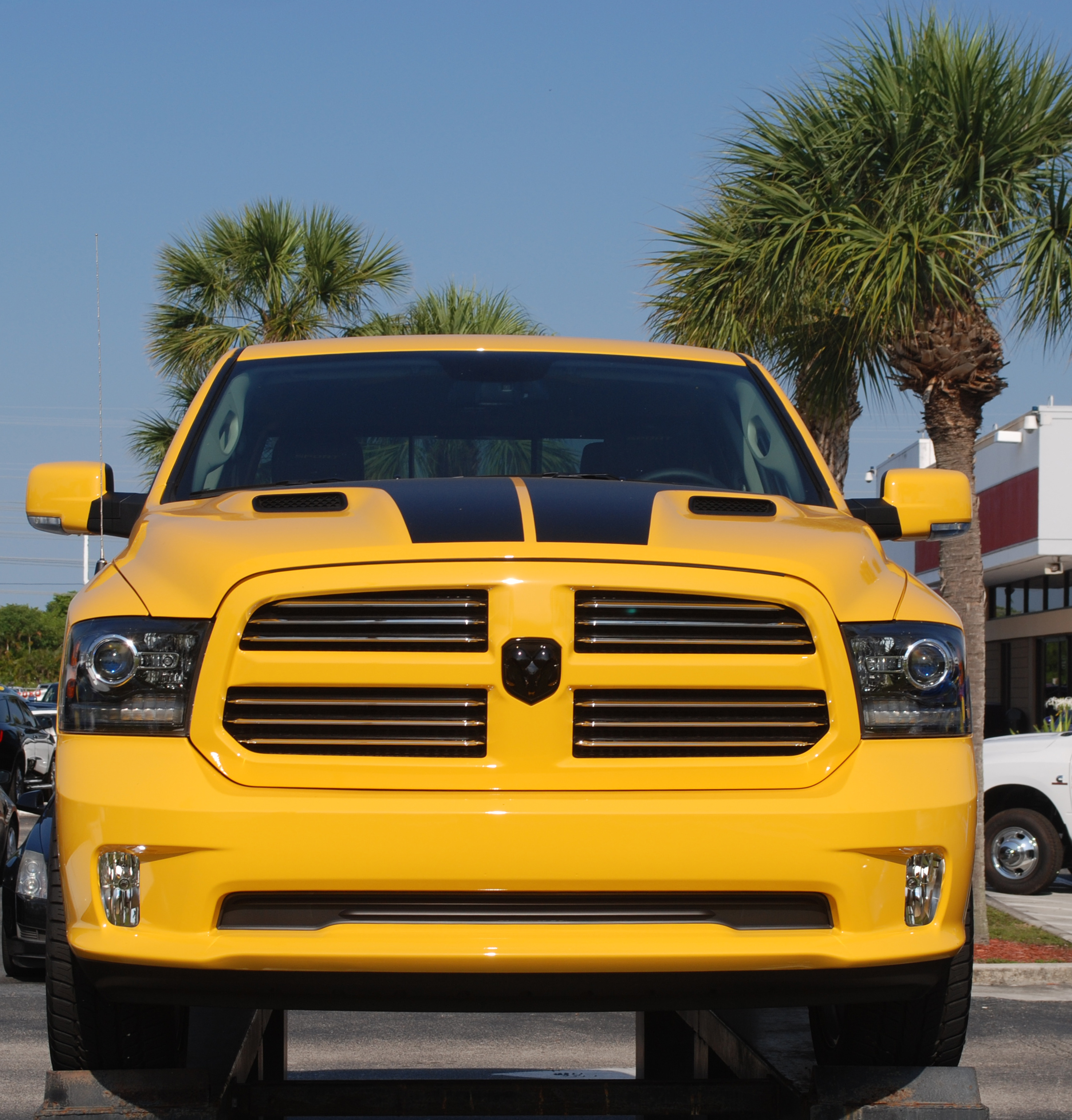 fca to recall jeep ram dodge vehicles in us autos post. Black Bedroom Furniture Sets. Home Design Ideas