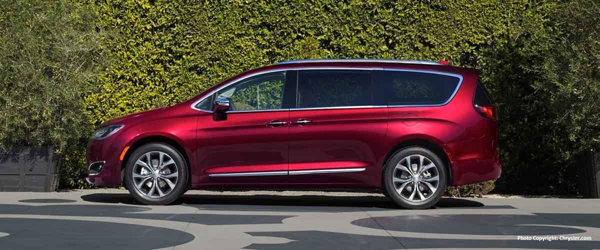 Aventura 2017 Chrysler Pacific Hybrid Exterior