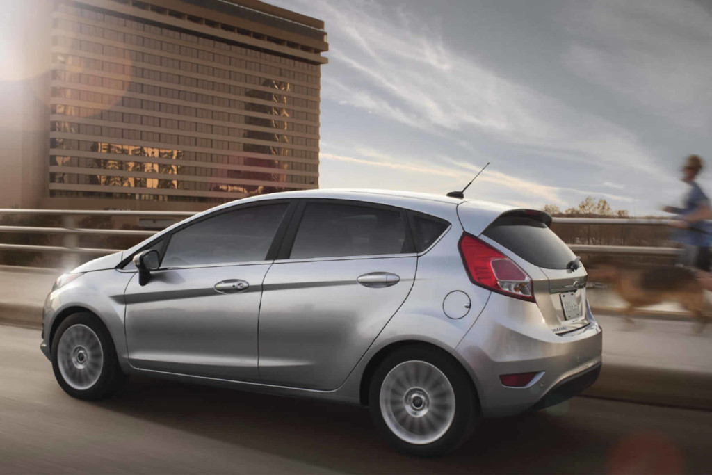 2017-ford-fiesta-hatchback-silver-side