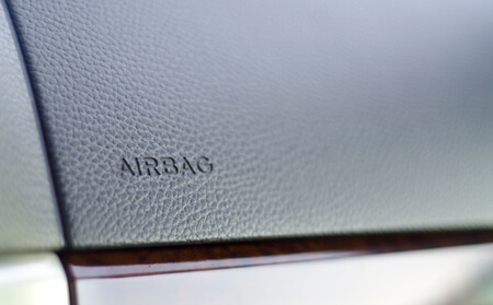 airbag sign on dashboard