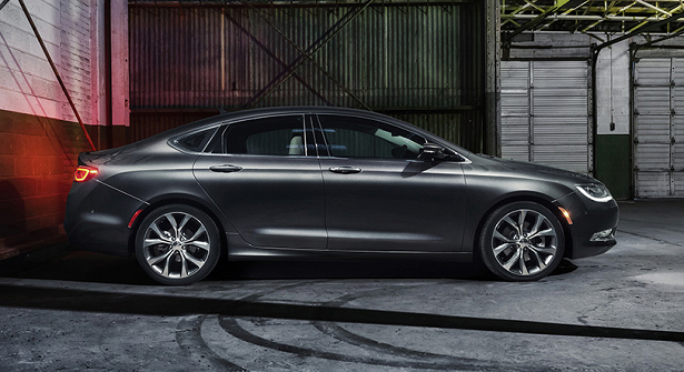 2015 Chrysler 200 Cropped w615