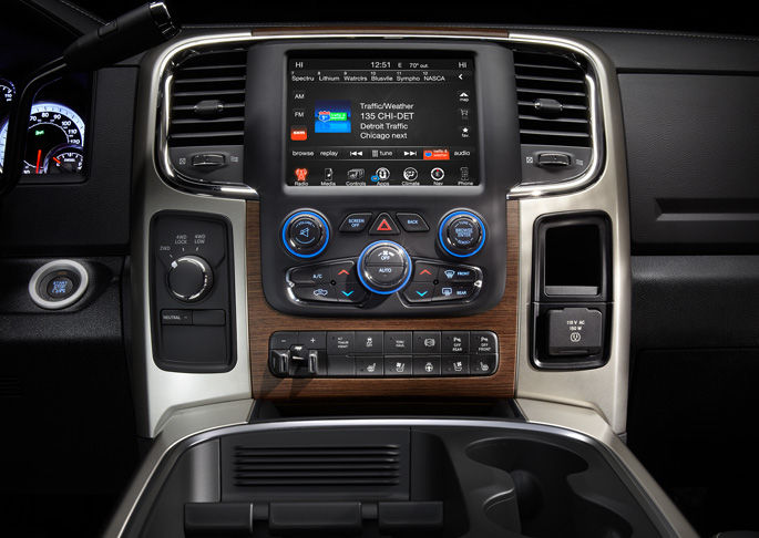 2016 Ram 3500 controls