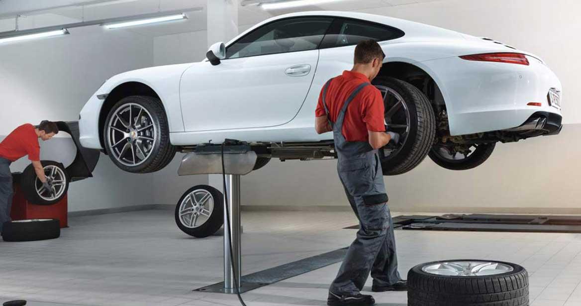 Porsche Tire Change