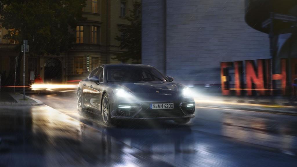 2017 Porsche Panamera Sedan