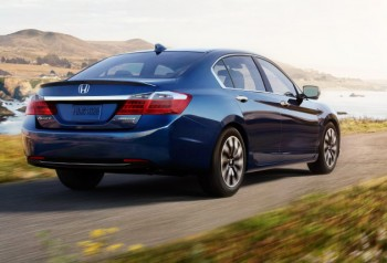 2015 Honda Accord Hybrid test drive