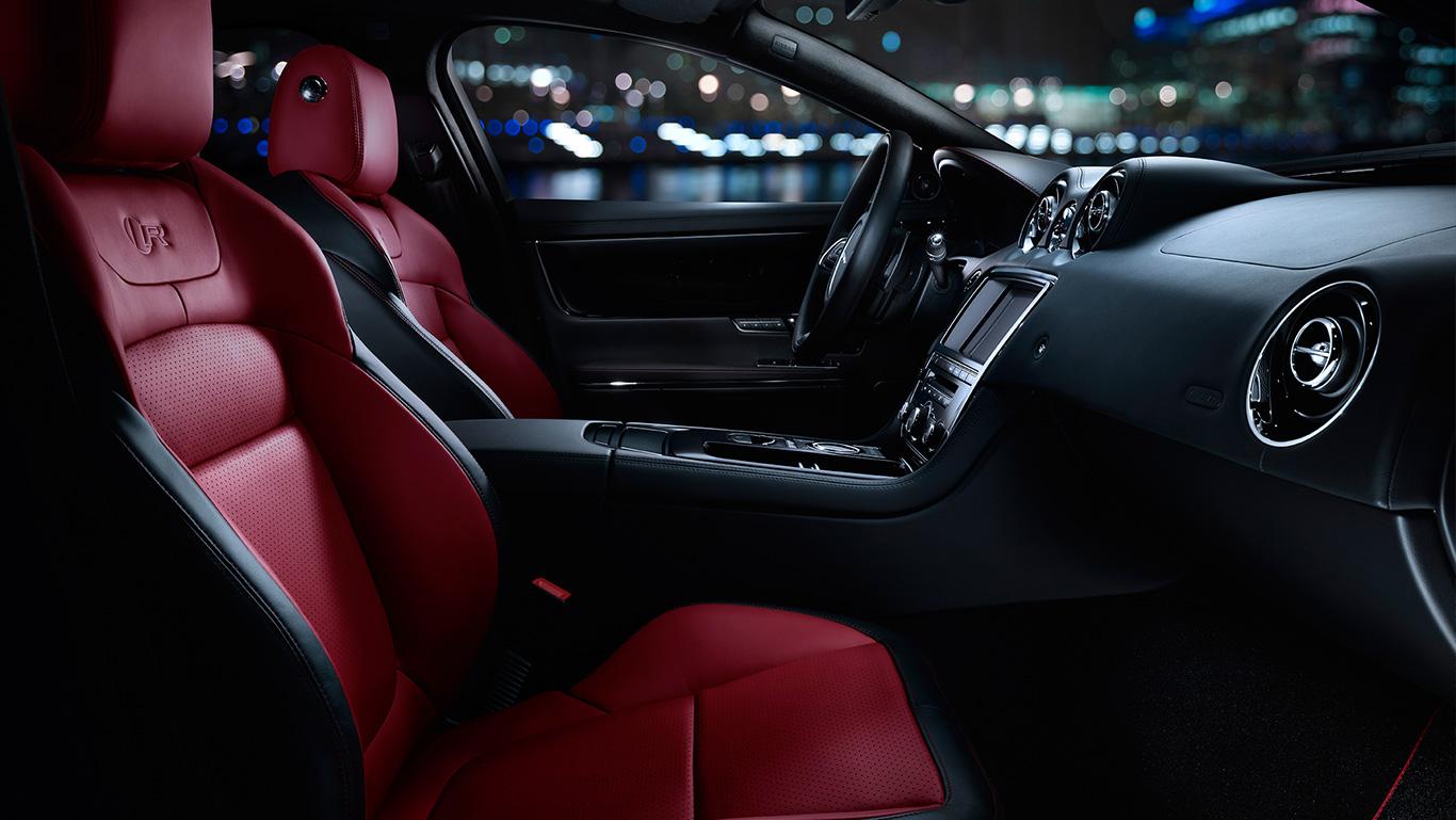 2016 Jaguar XJ interior cabin