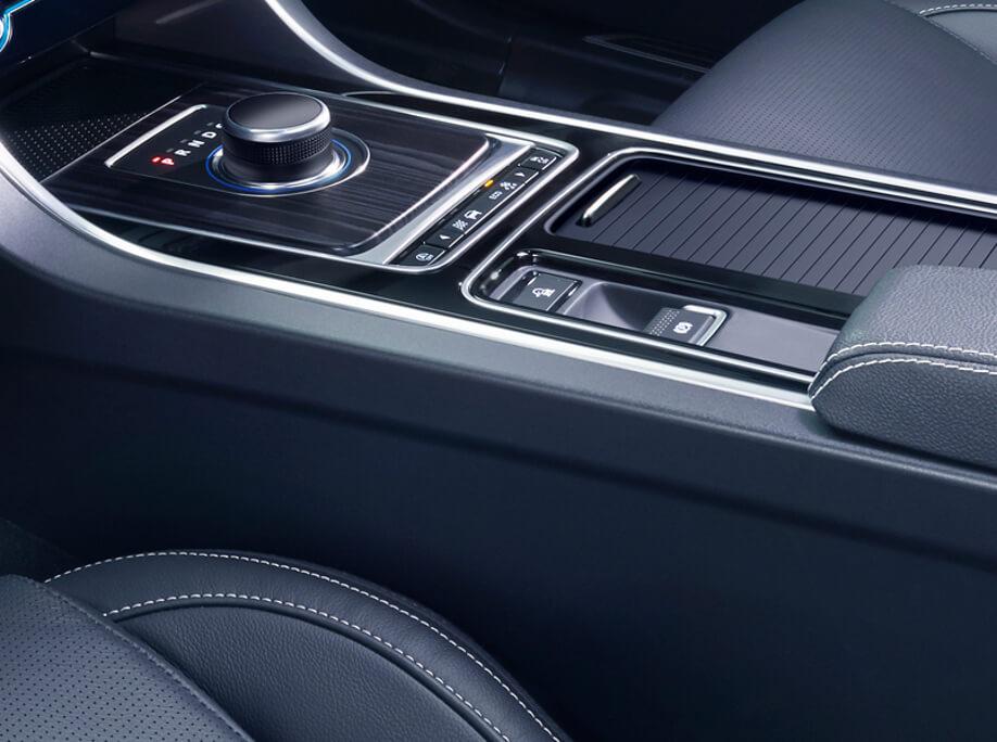 2017 Jaguar XF Drive Selector