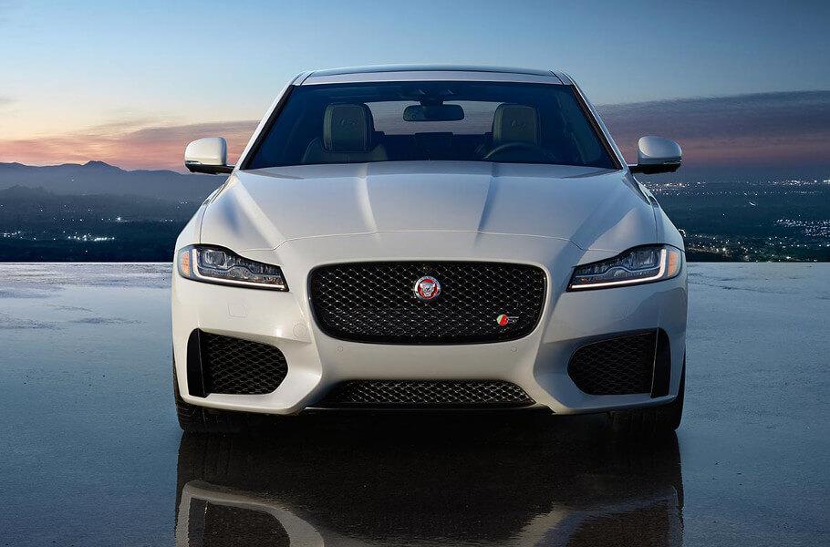 2017 Jaguar XF S front exterior