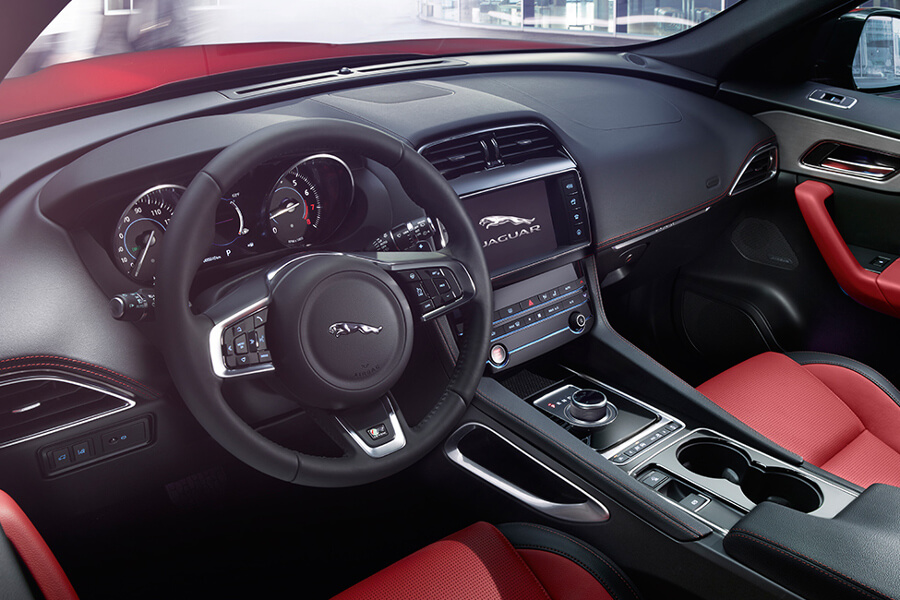 2017 Jaguar F-PACE Diesel Interior