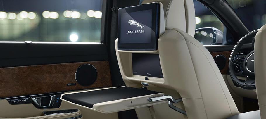 Jaguar XJ rear tv
