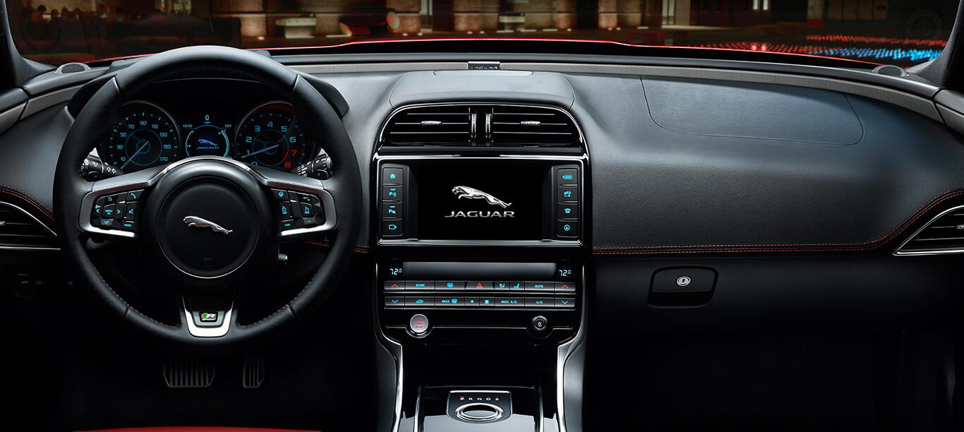 2017 Jaguar XE dashboard