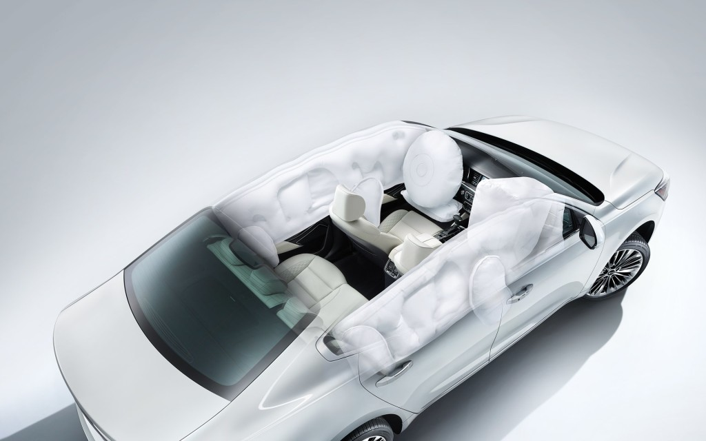 2017 kia cadenza airbags