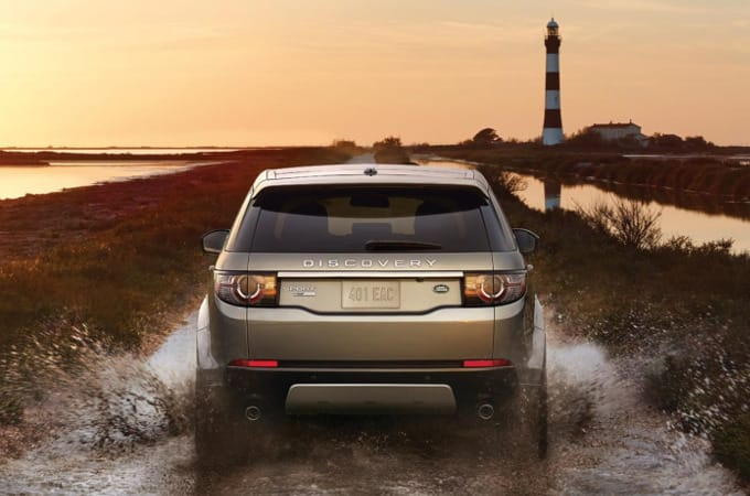2016 Land Rover Discovery Sport traction