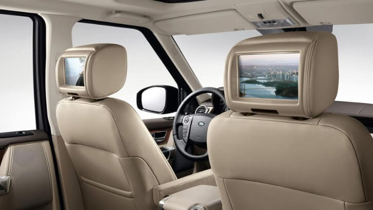2016 Land Rover LR4 interior