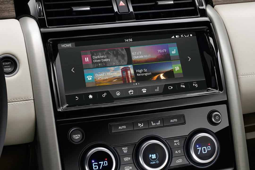 2017 Land Rover Discovery infotainment