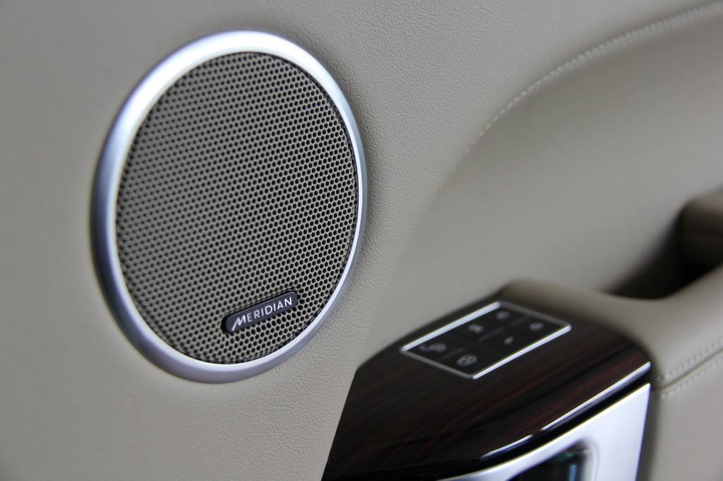 Meridian Speaker on 2014 Range Rover door.