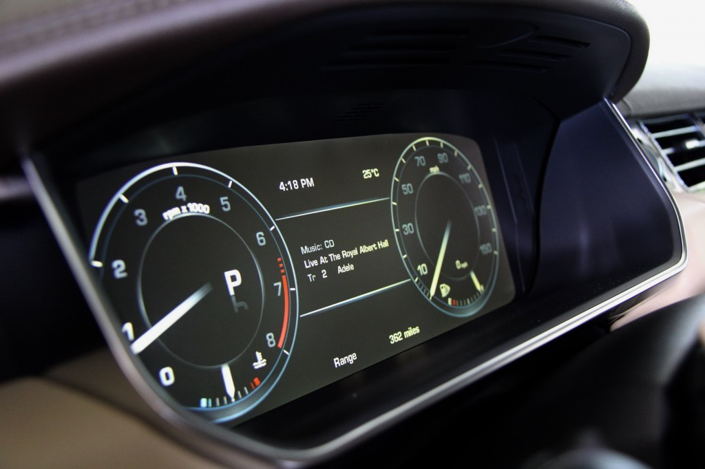 TFT Driver Dash Screen offers Audio playback details