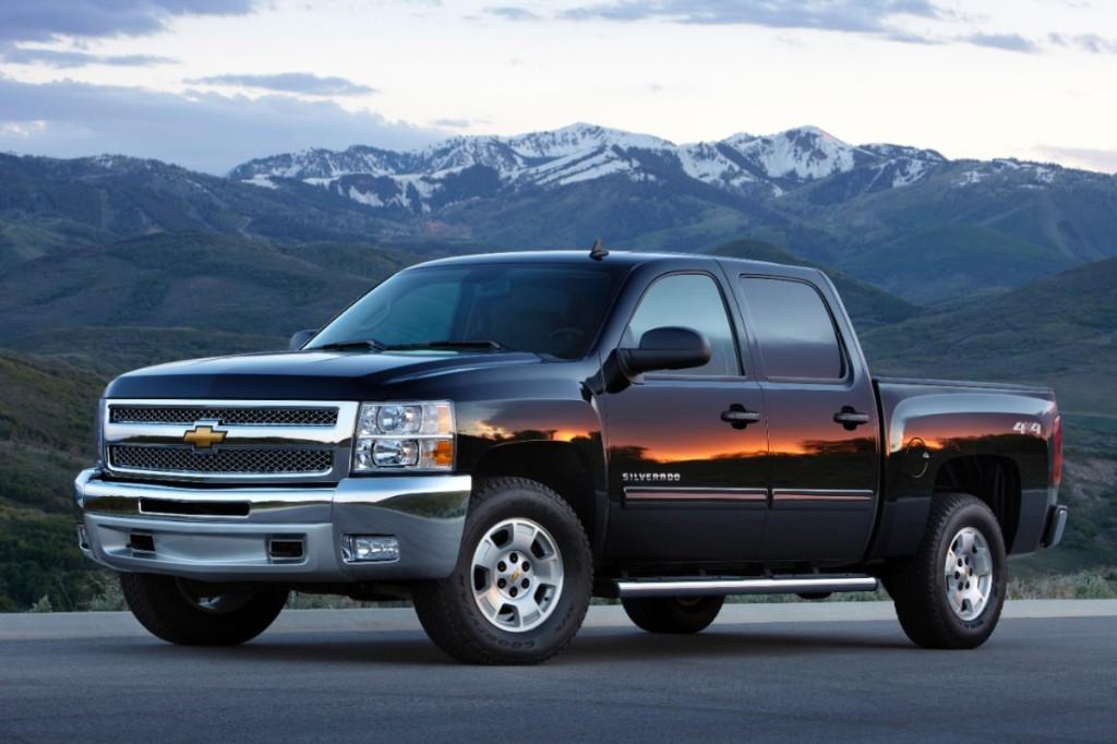 2013-Chevrolet-SilveradoLT-006-medium