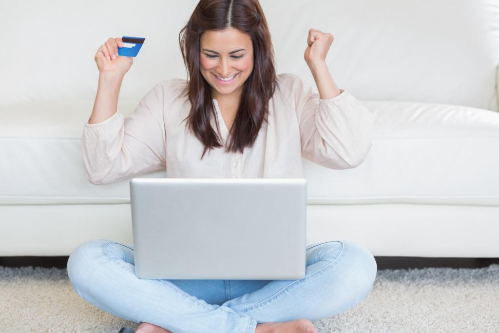 happy-online-customer-1024x683