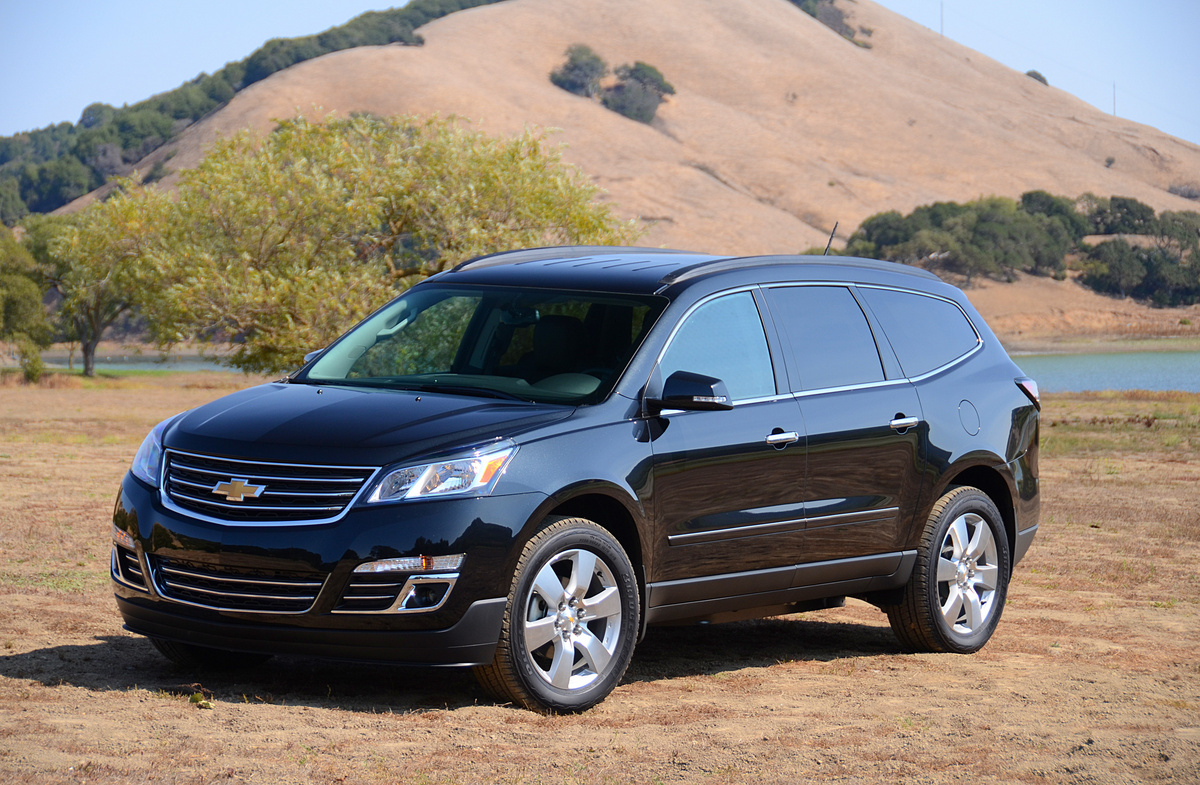 lt awd x chevrolet used ia traverse c stock s w car company waterloo