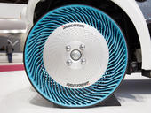 20141002-bridgestone-air-free-concept-tire-paris-motor-show-2014-003