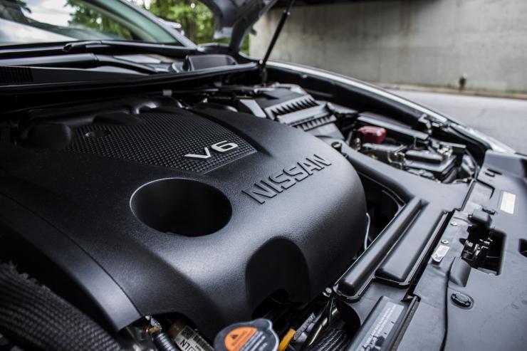 2006 nissan maxima engine noise