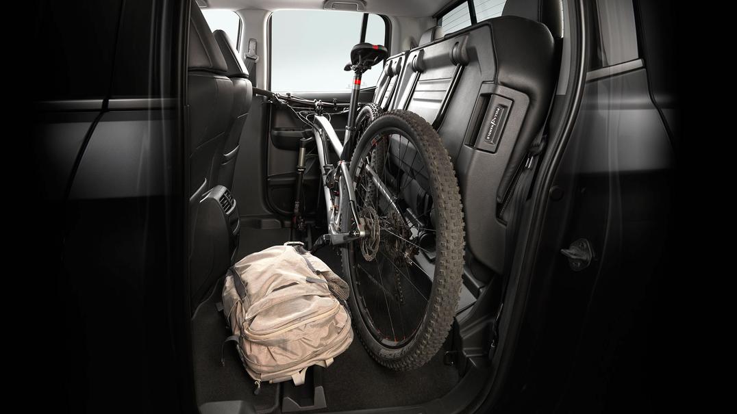 2018 Honda Ridgeline AWD Folding Rear Seats