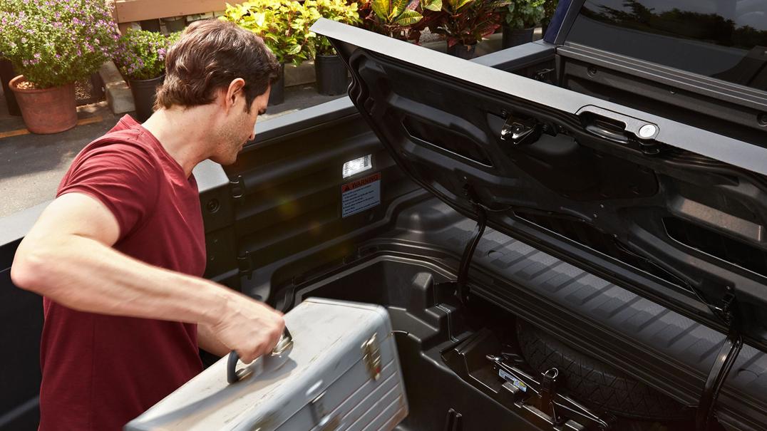 2018 Honda Ridgeline AWD Truck Bed