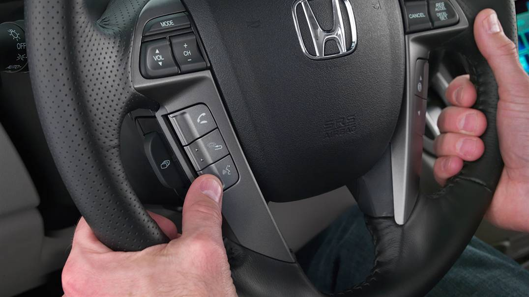 2017 Honda Odyssey steering wheel with bluetooth buttons