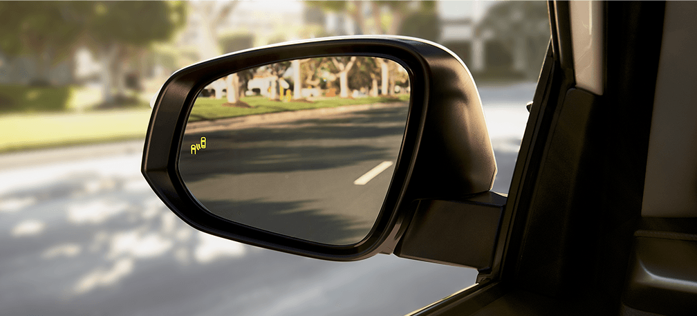 toyota-2017-rav4-features-safety-blind-spot-l