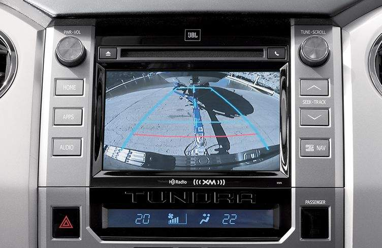 toyota-2017-tundra-features-technology-backup-camera-display-l