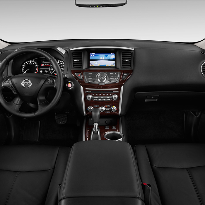2016 Nissan Pathfinder Dashboard in Warsaw, IN