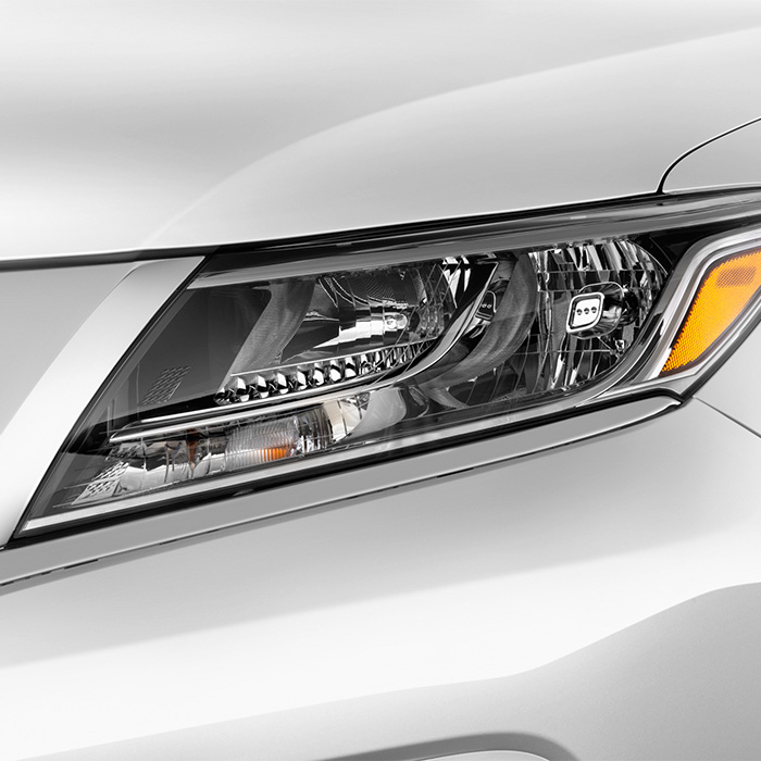 2016 Nissan Pathfinder Headlight in Warsaw, IN
